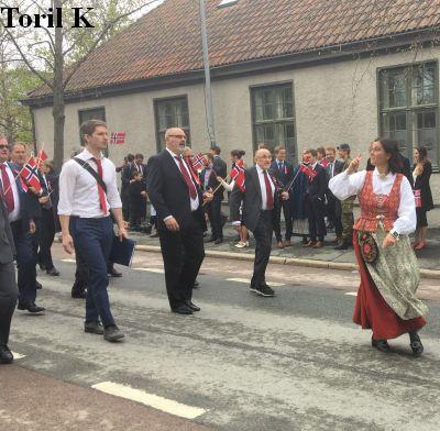 170517_mannskoret_noekken_borgertog9
